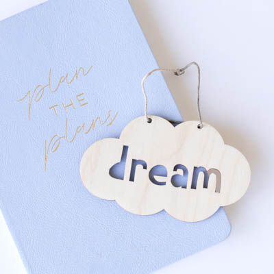 Plan the plans notebook with a wooden dream hanger